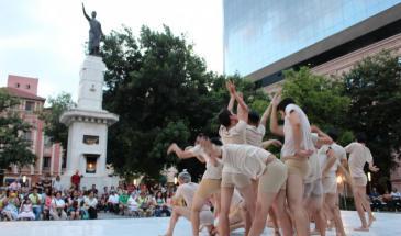 Danza en la plaza