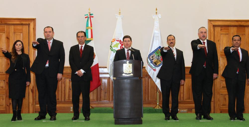 Este jueves el Gobernador Rodrigo Medina de la Cruz, tomó la protesta de ley a los nuevos secretarios de la administración estatal.