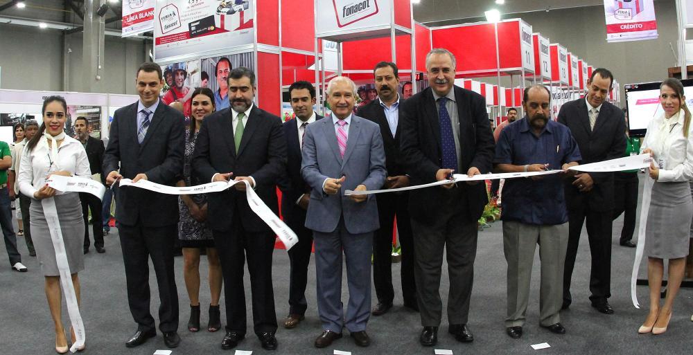 •Participan autoridades estatales en la inauguración del evento en donde se ofrecen diversos beneficios en la adquisición de inmuebles y servicios