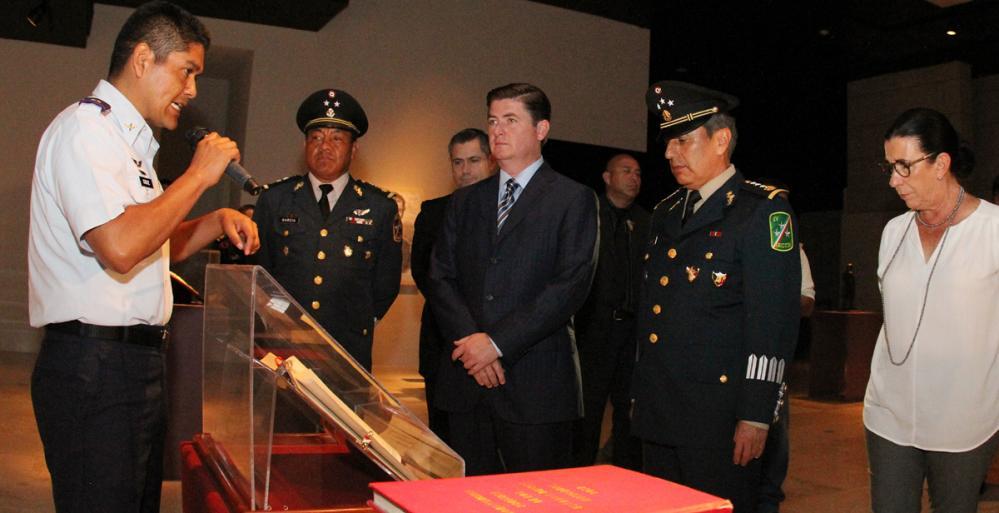 Inaugura Gobernador Rodrigo Medina exposición Itinerante de las Fuerzas Armadas
