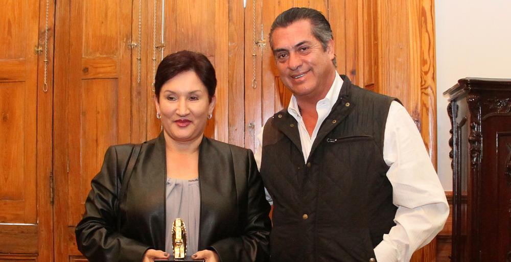 Se reúne Bronco con Fiscal de Hierro guatemalteca