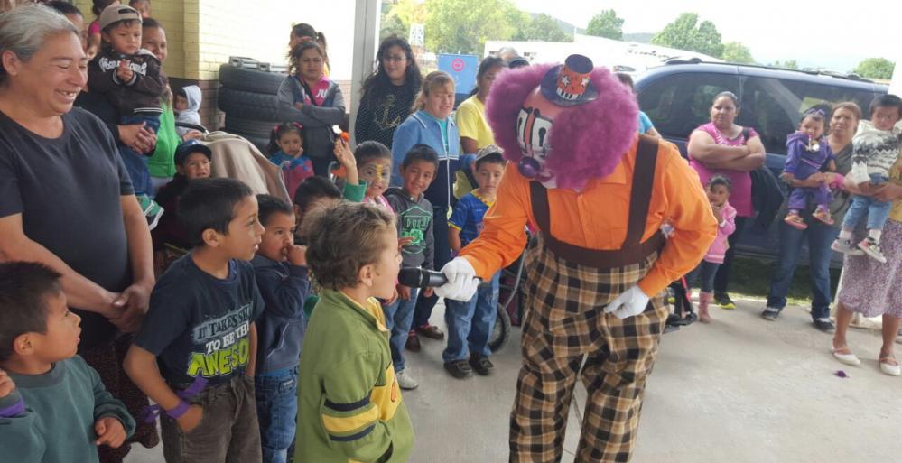 Llevan ciencia y diversión a niños de Galeana