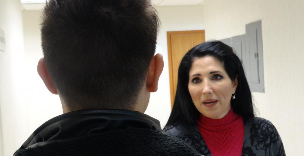 Patricia Salazar Marroquín, Subsecretaria de Prevención conversa con un adolescente