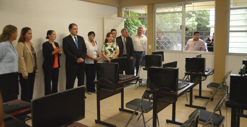 Entregan Gobierno Estatal y Cemex rehabilitación de escuela primaria en  Guadalupe