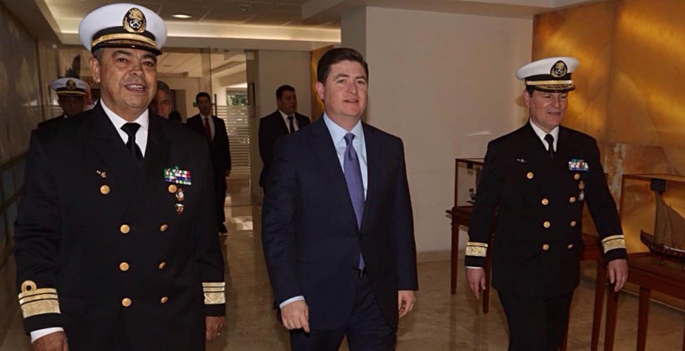 """Dicta Gobernador Rodrigo Medina conferencia Balance y prospectiva de la situación política y económica del estado de Nuevo León"""" en el colegio de Estudios Navales."""