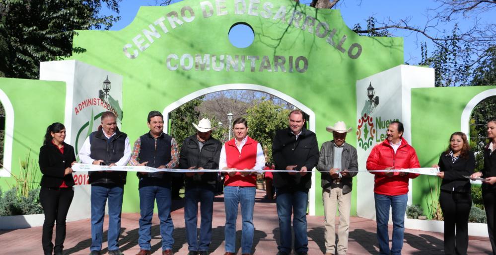 Realiza el Gobernador Rodrigo Medina, gira de trabajo por el sur del estado.