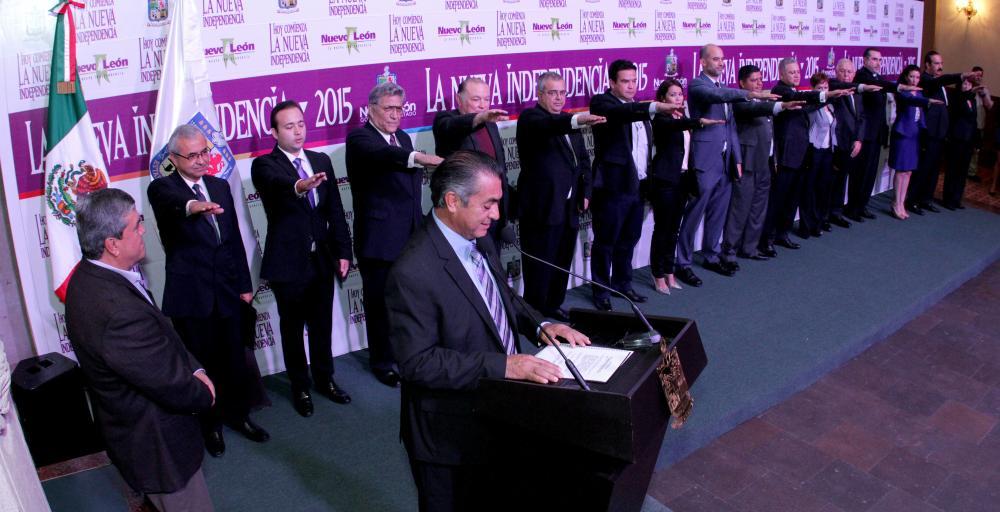Jaime Rodríguez toma protesta a funcionarios de su gabinete de Gobierno